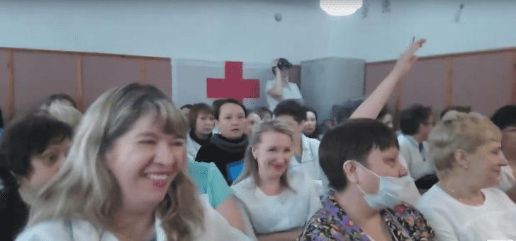В Башкирии врачи посмеялись над средней зарплатой по больнице