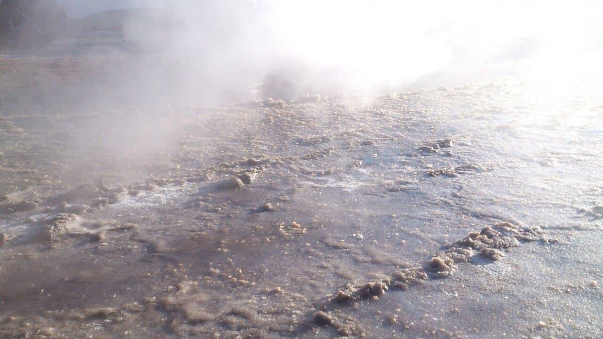 ВУфе из-за прорыва канализации улица превратилась вбурную реку