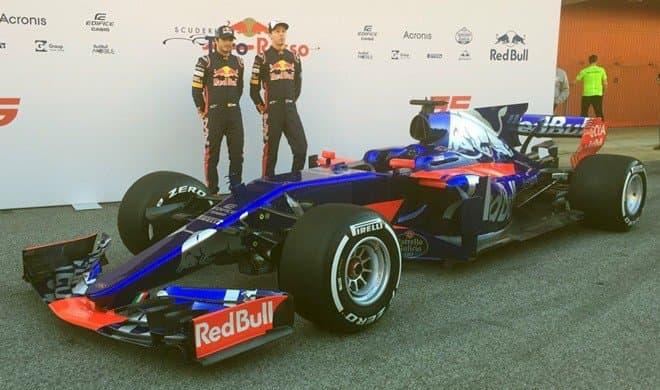 Новый болид команды «Формулы-1» «Торо Россо» выглядит очень соблазнительно - Квят