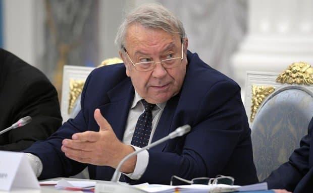 Путин пригрозил депутатам, которые стали академиками ичленами РАН, увольнением