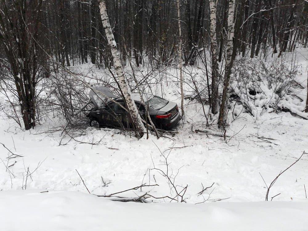 ВБашкирии автомобиль съехал вкювет: есть пострадавшая