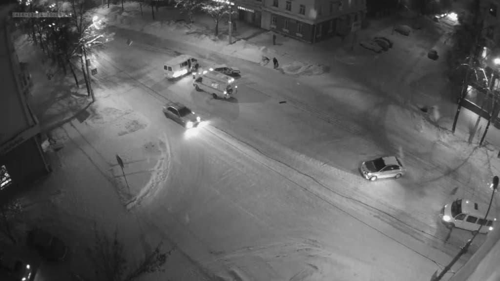 ВУфе иностранная машина протаранила припаркованную маршрутную «Газель»