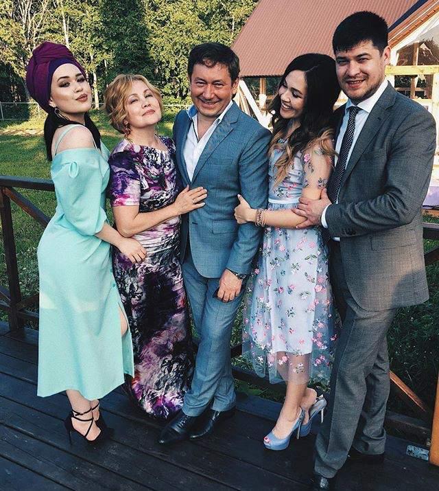 скучали, айдар галимов семья фото правильного
