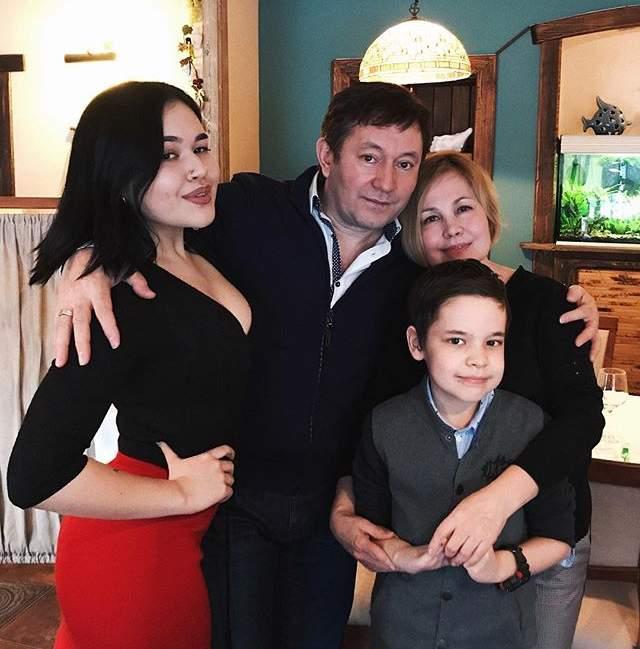уже айдар галимов семья фото то, что камеру