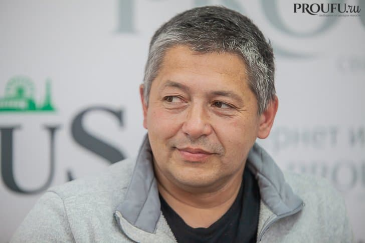 Рияз Исхаков