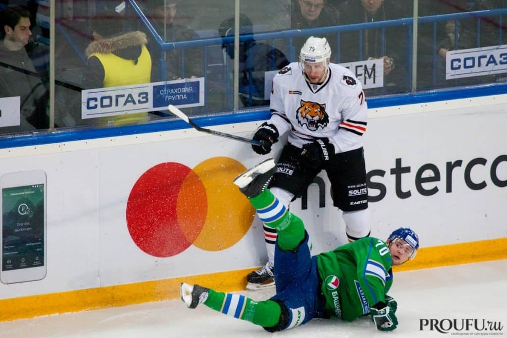 «Салават Юлаев» вовертайме обыграл «Амур» вматче постоянного чемпионата КХЛ